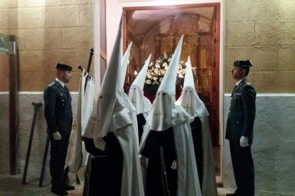 procesion-del-santo-entierro-2D7C82975-06B8-0DD6-29D0-36F10F757A0A.jpeg